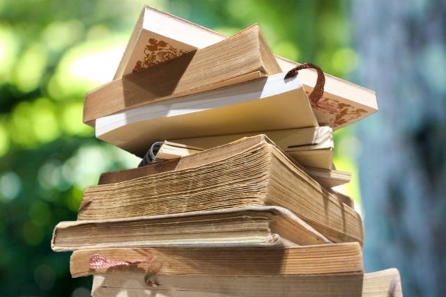 自宅で本の買取をしてもらう「出張買取」の流れとメリット